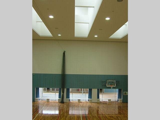 斑鳩小学校屋内運動場